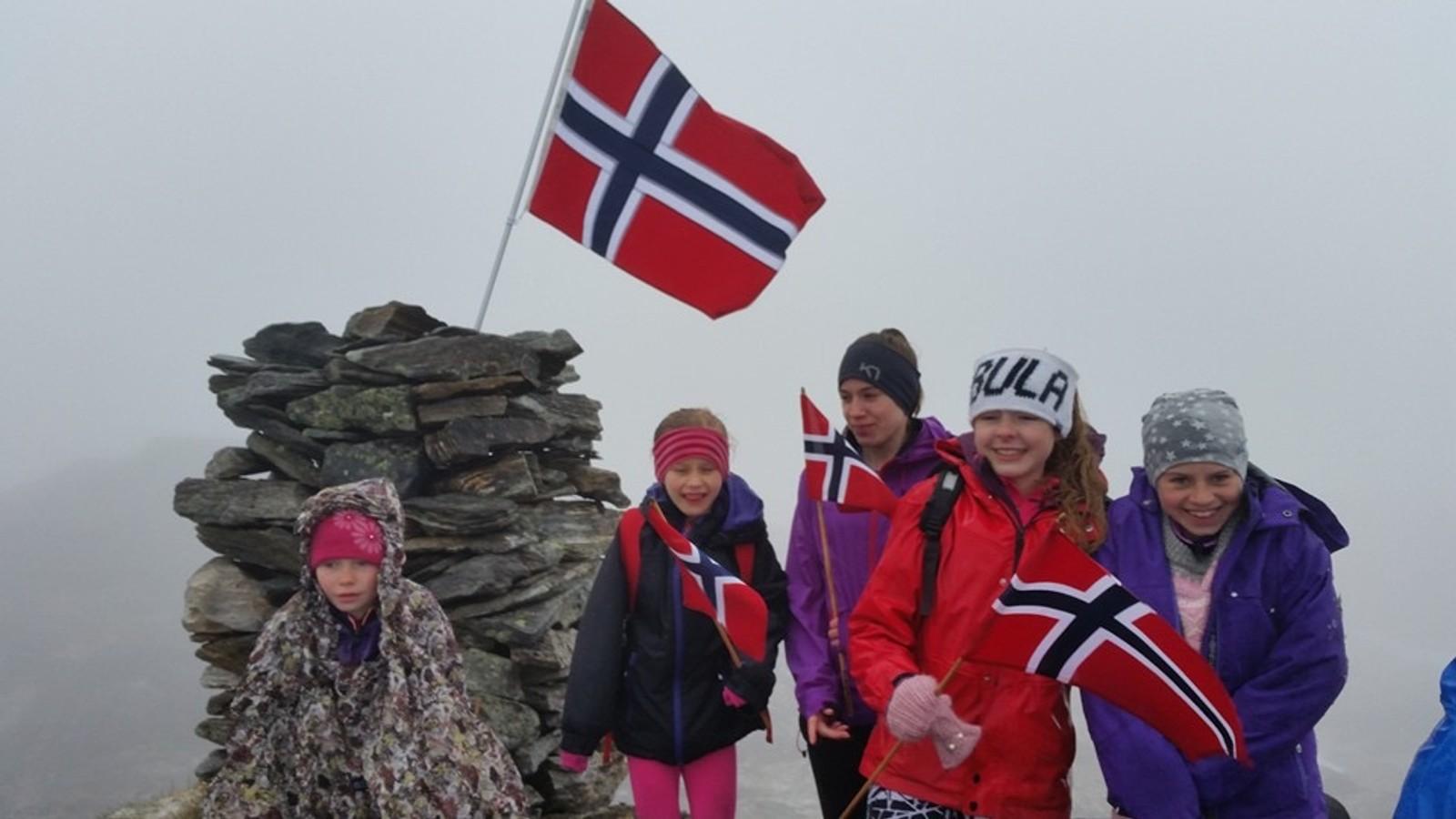 17. mai til fjells på Åheim