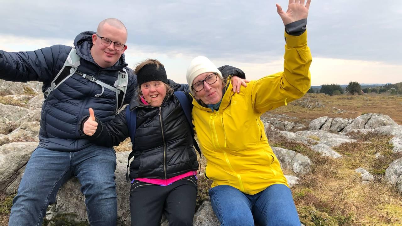 Nina Skauge, Bendik og Monica på tur.