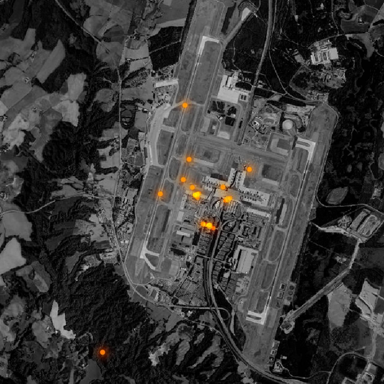 Flybildet viser mobilposisjoneringer ved Gardermoen lufthavn.