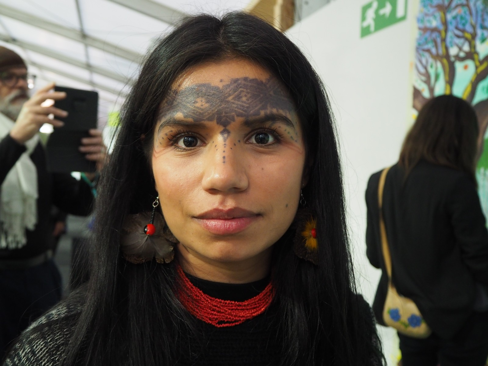 Ei av Sarayaku-folket.