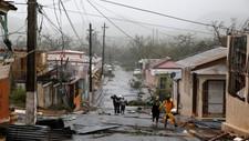 EKSTREMVÆR: Det er ventet at orkanen vil herje øya med livsfarlige vinder i 12 til 24 timer fremover.