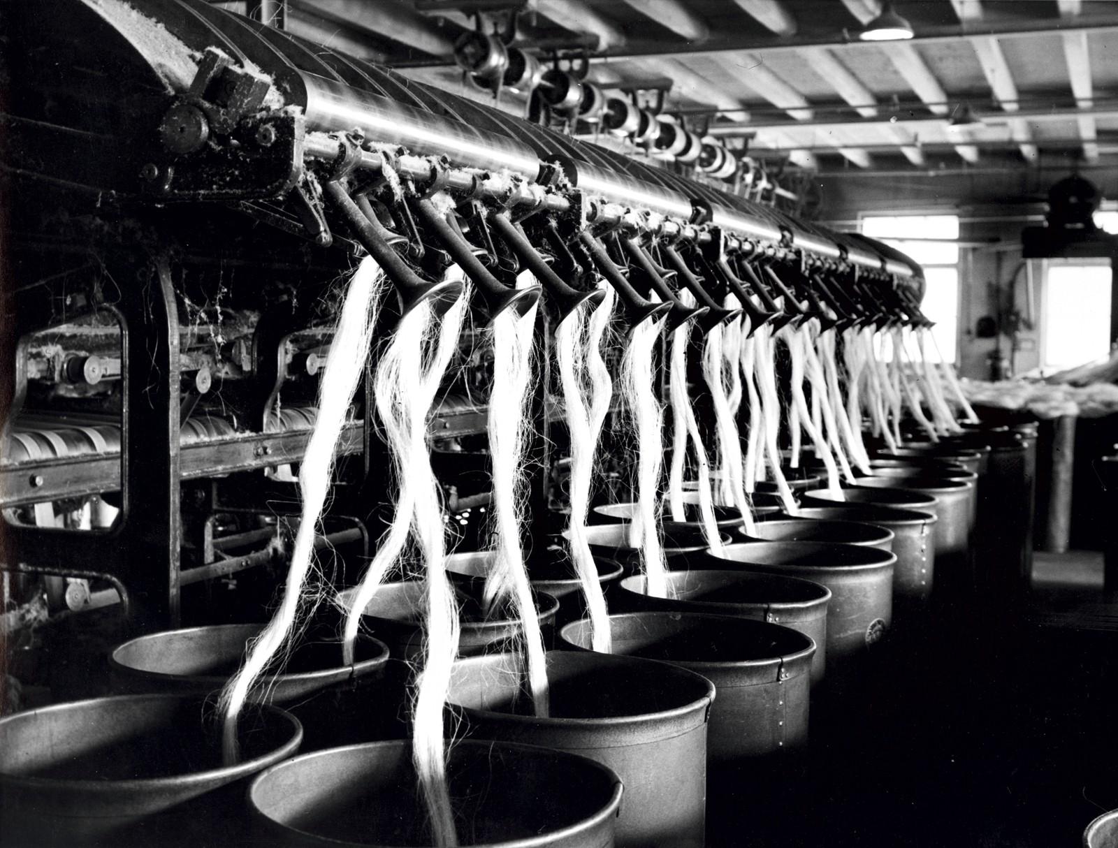 Produksjon Gillspinner 1948. Bakside av maskin.