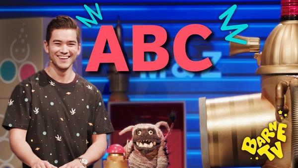Matias fra Barne-TV prøver å lære Zook alfabetet, men det blir bare tull og tøys.