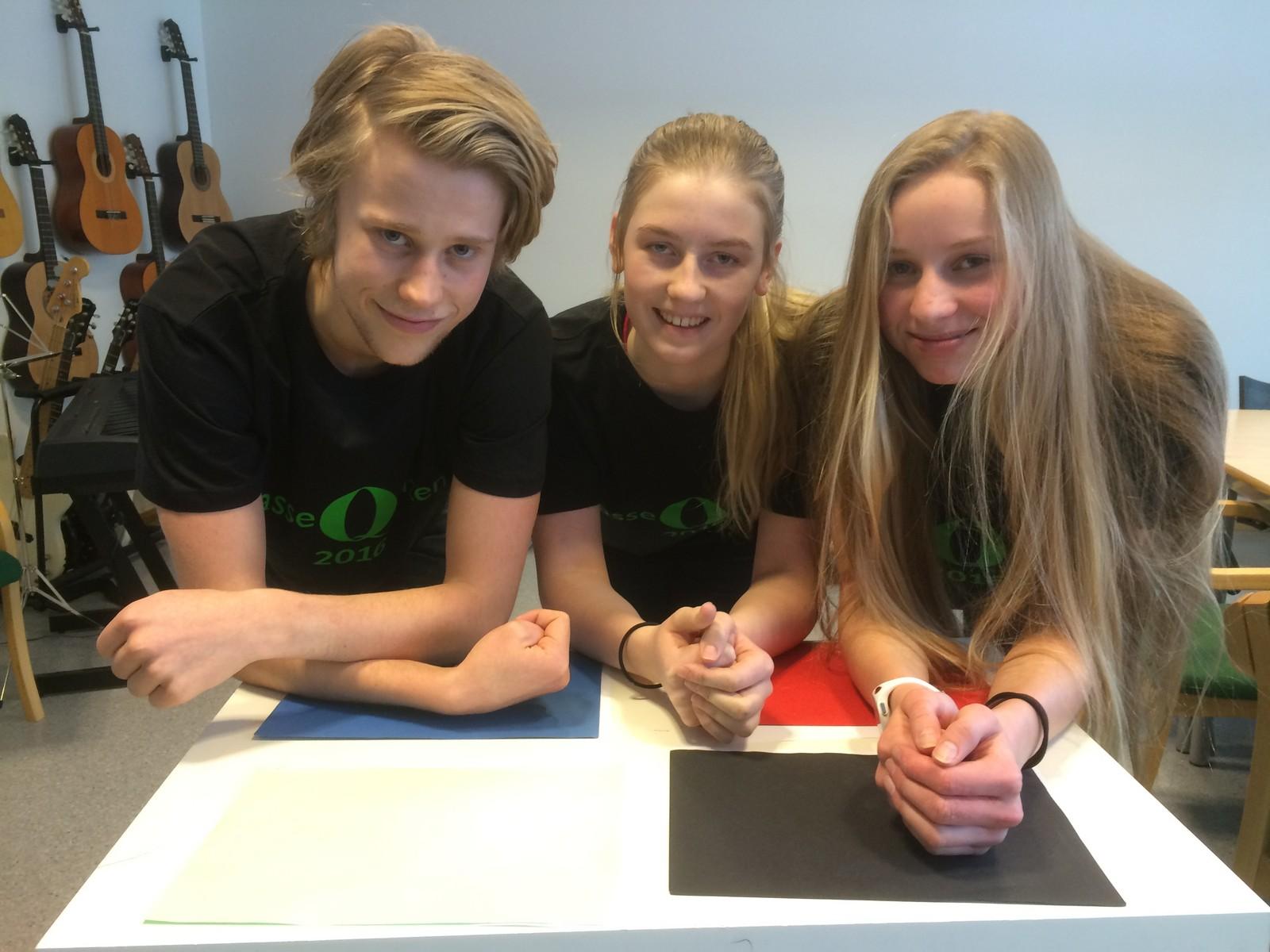 Elevene fra Kvikne skole og barnehage klarte åtte rette i Klassequizen.  F.v. Ådne Frengstad, Reidun Andrea Rønning og Rønnaug Hansæl-Nergaard.
