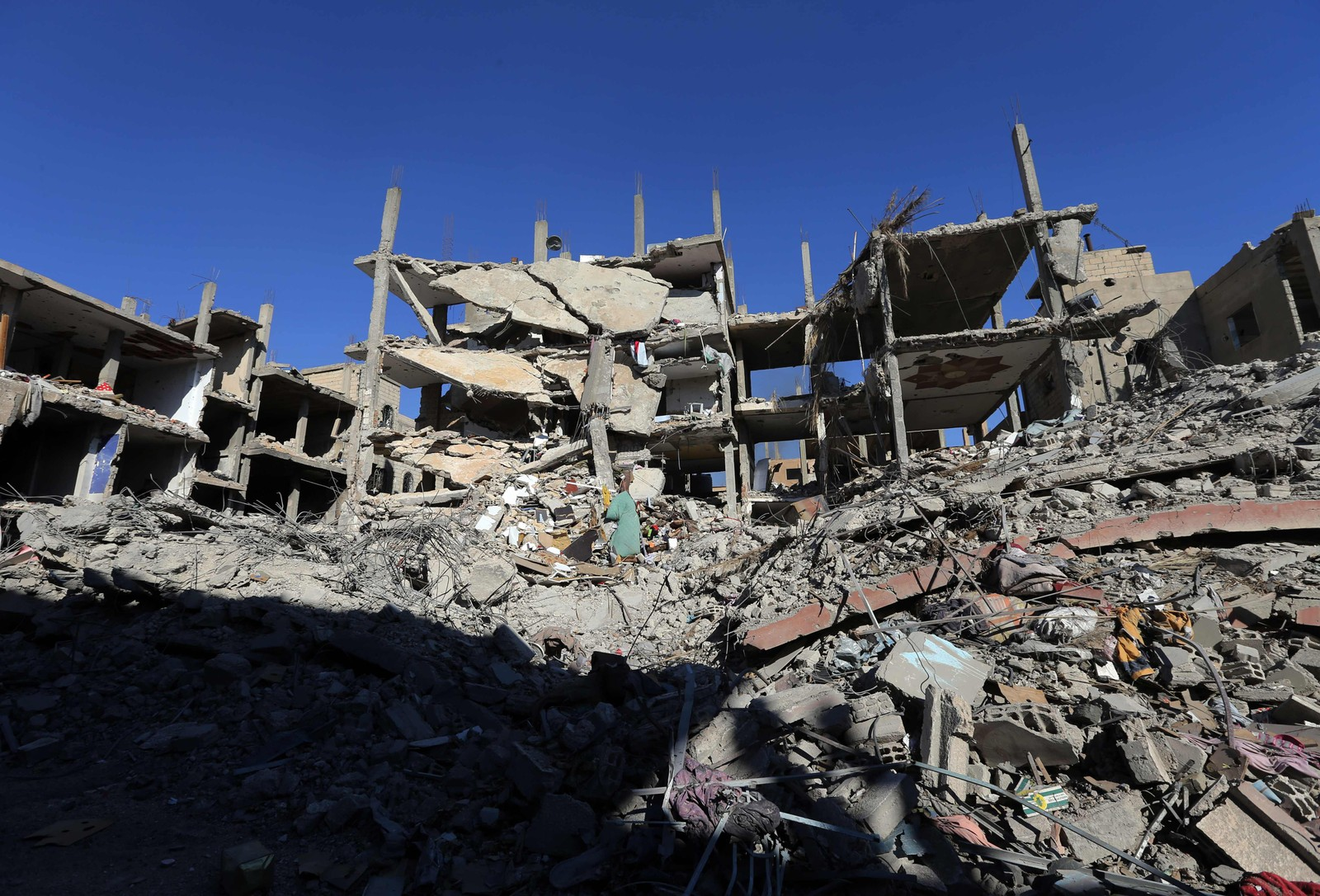 Ødelagte nabolag i Palmyras moderne bydel. Det er store spor etter syriske styrkers offensiv mot IS.