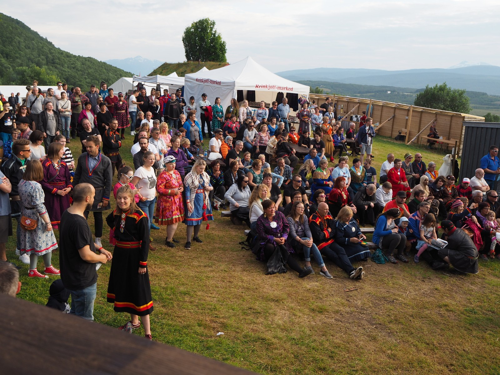 Mange mennesker var tilstede for å høre på Tanabreddens Ungdom.V