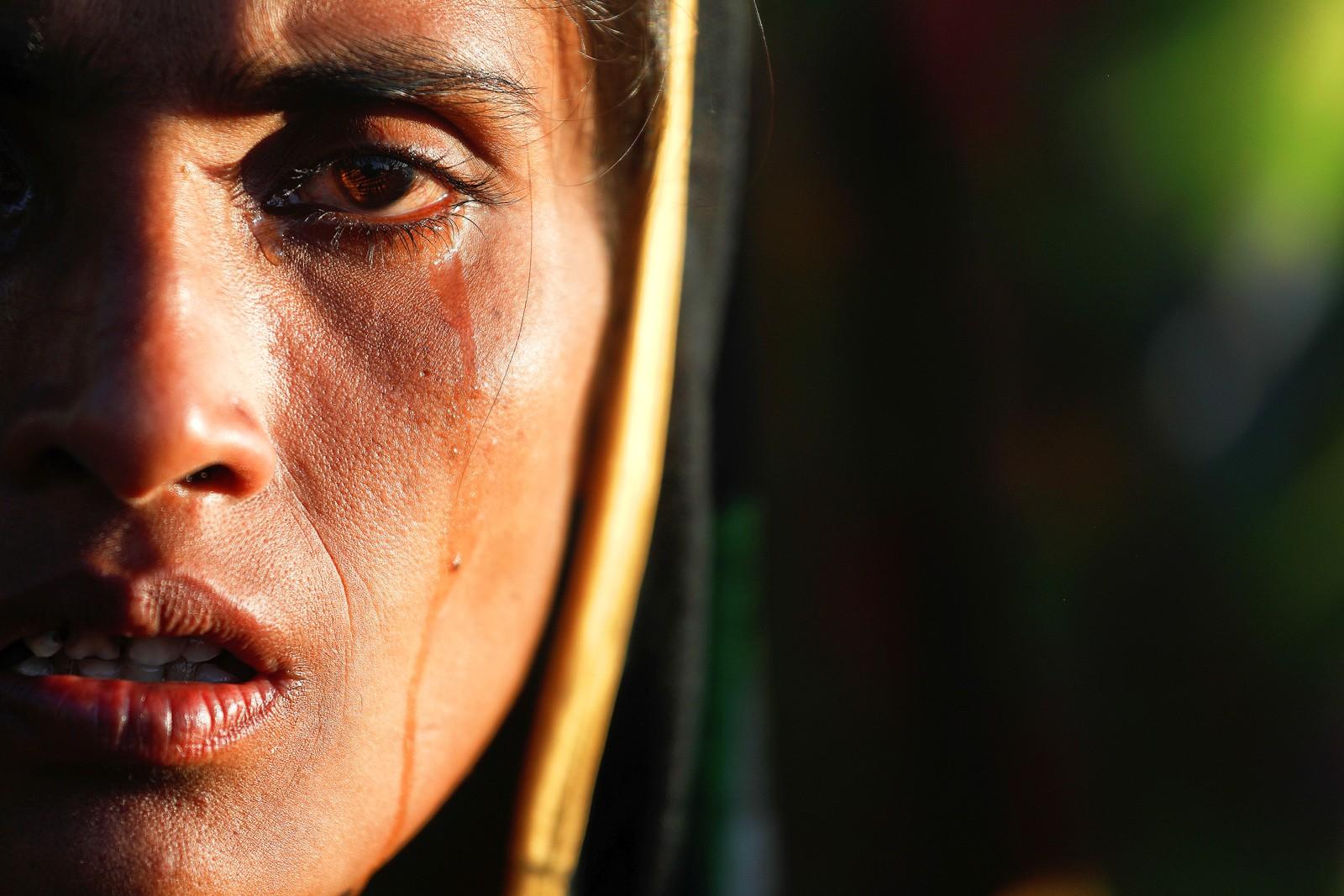 Amina Khatun er en 30 år gammel Rohingya-kvinne. Dagen før dette bilde ble tatt flyktet hun fra Myanmar til Bangladesh.