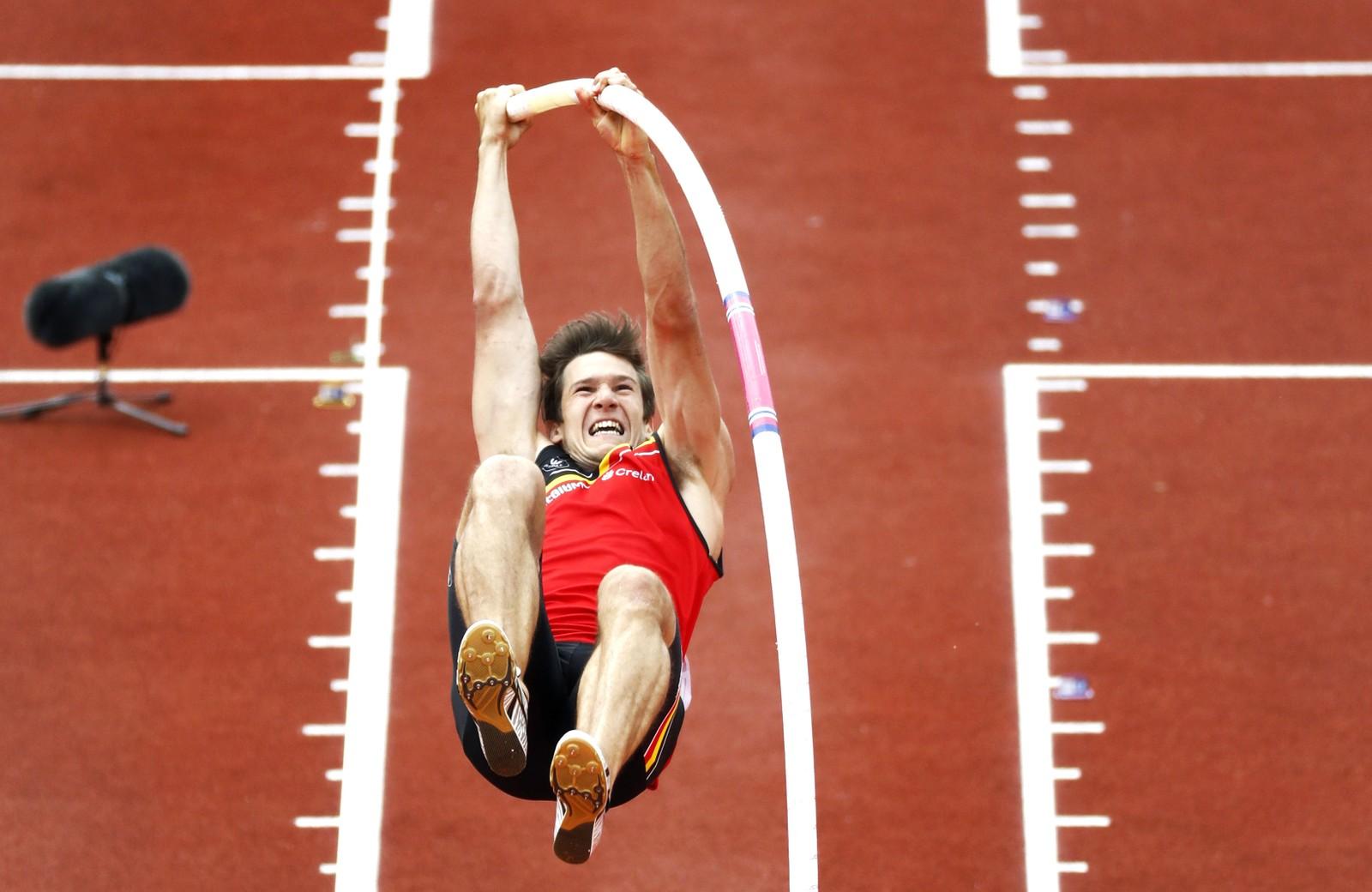 Belgiske Thomas van der Plaetsen gir alt under stavhoppkonkurransen i EM i Nederland den syvende juli.