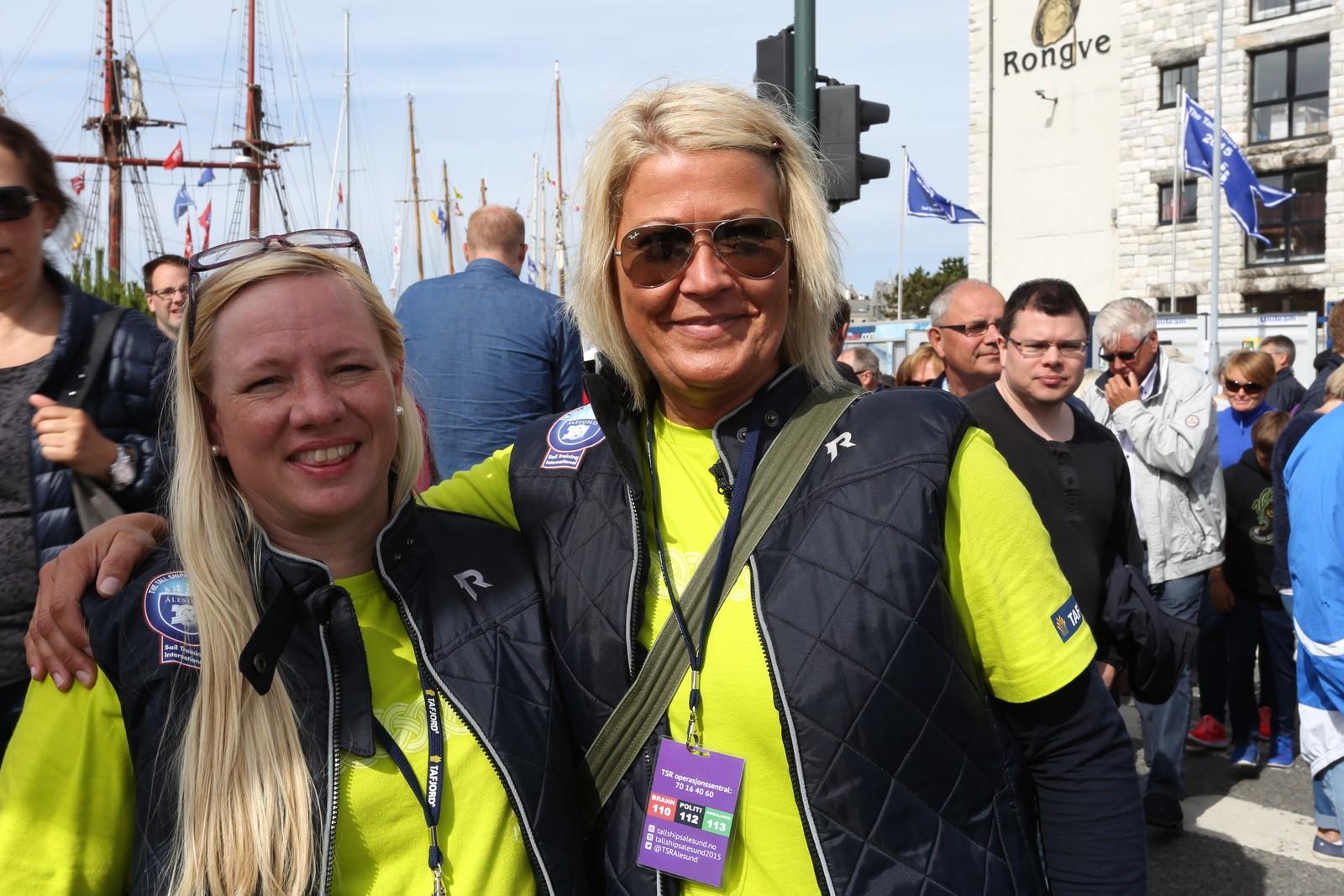 Elisabeth Halvorsen og Anka Hjelle frå Ålesund er frivillige under The Tall Ships Races. Anka Hjelle var også frivillig under Cutty Sark i 2001.