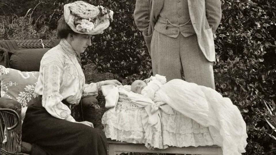 Fra de kongelige samlinger: 2. Dåpskjolen fra Appleton