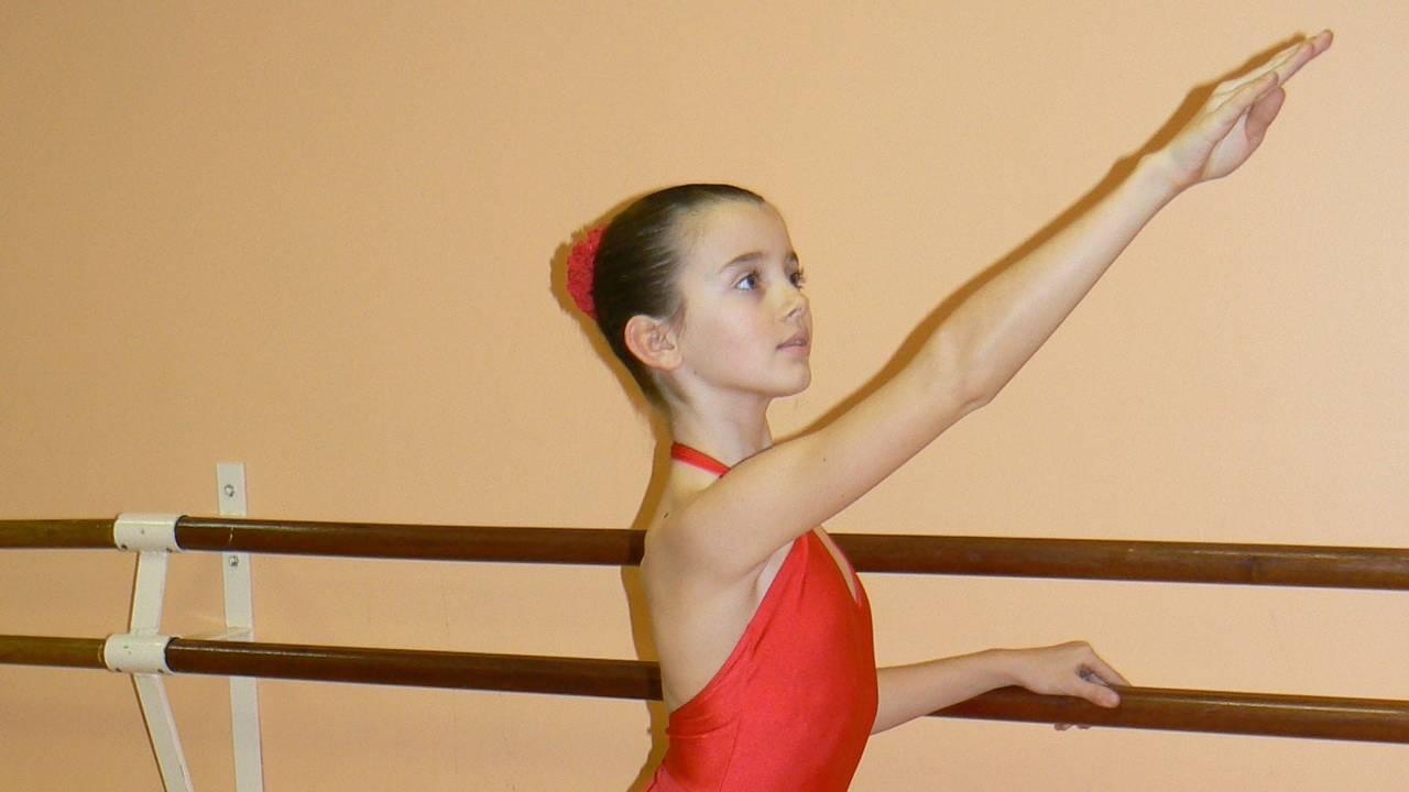 Anaïs trener på ballettakademiet i Marseille