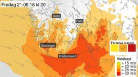 STORE OMRÅDE: Rogaland, Sørlandet og Austlandet får kraftig vind utpå fredagen. Vindkasta kan komme opp i 144 kilometer i timen.