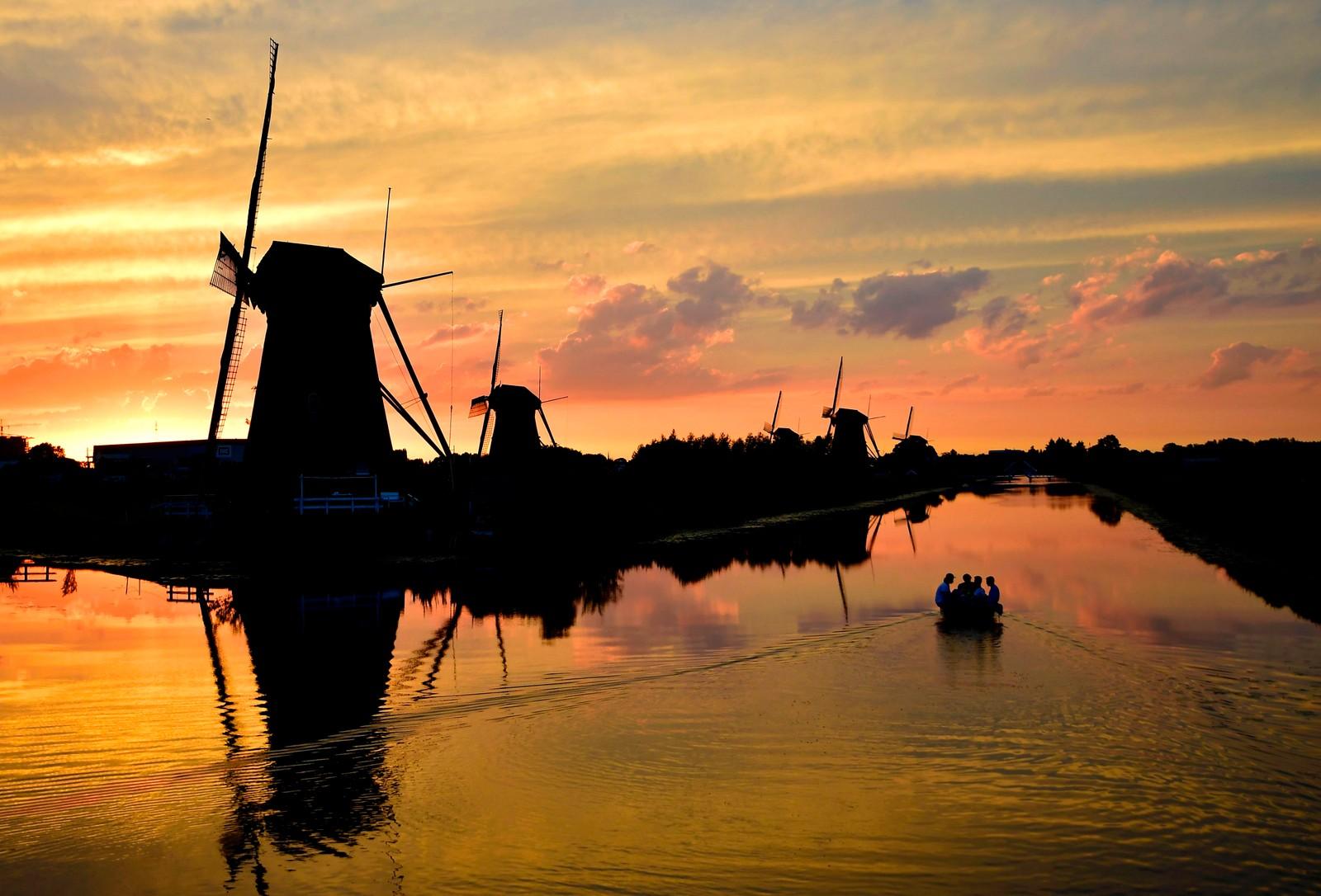Landlig idyll i Kinderdijk i Nederland.