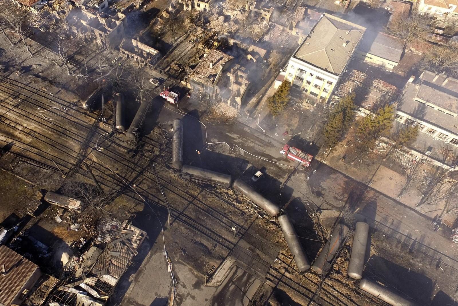 Luftfoto som viser ulykkesstoget.
