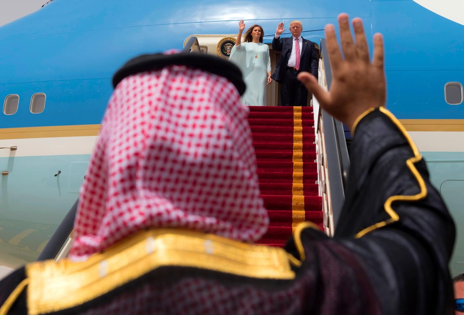 God tur! President Donald Trump og Melania Trump forlater Saudi-Arabia.