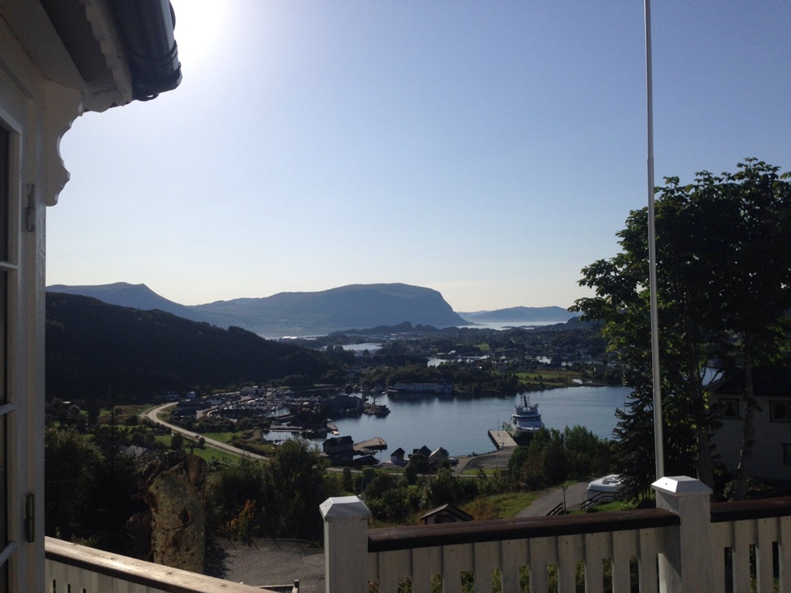 Skyfritt og nydeleg på Leinane i Herøy.