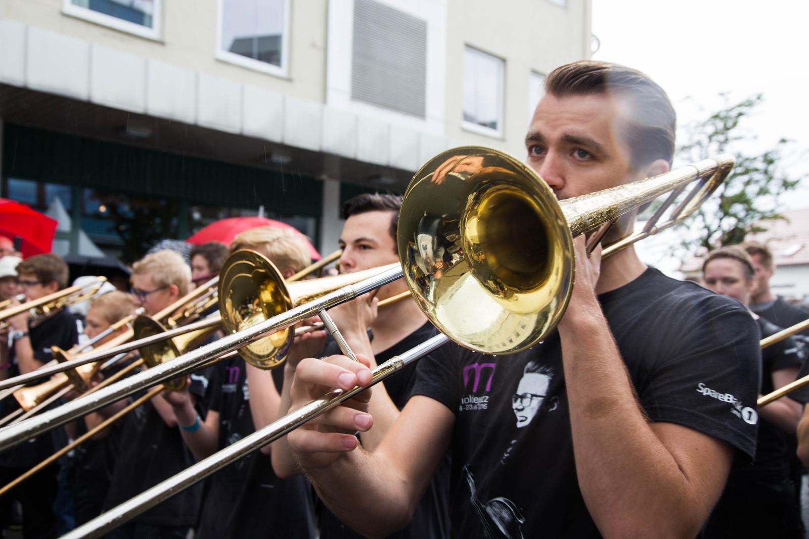 Orkesteret under gateparaden holder svært god standard.