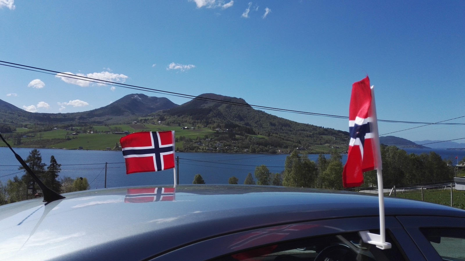 Ved Holmemstranda, Åfarnes 17.mai.
