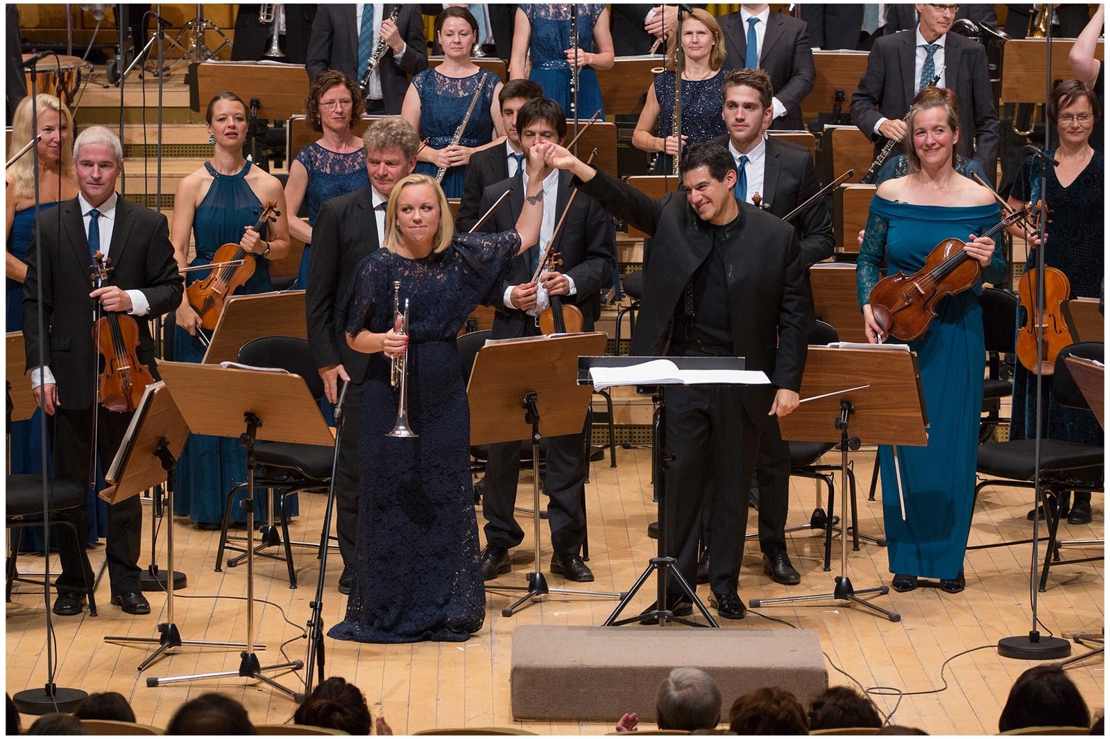 Tine Thing Helseth med KORK og dirigent Miguel Harth-Bedoya