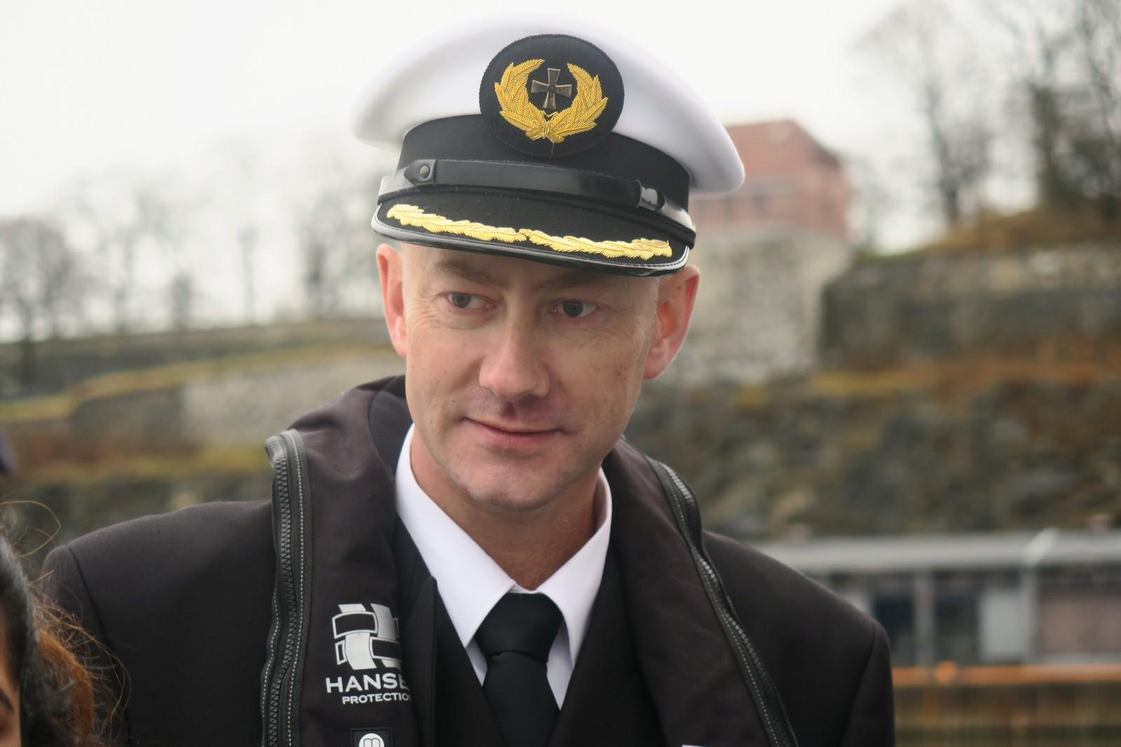 Skipsførar Lars Solvik var ein av dei som i dag fekk Humanistprisen for innsatsen sin for å berge menneske opp frå havet.