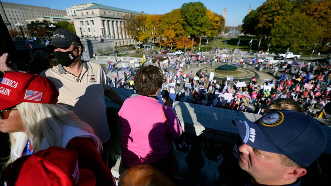 Demonstrasjoner mot Bidens valgseier i Pennsylvania.