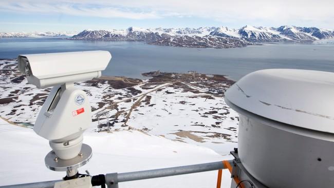 Luftforskningssenteret på Zeppelin-fjellet i Ny-Ålesund på Svalbard.