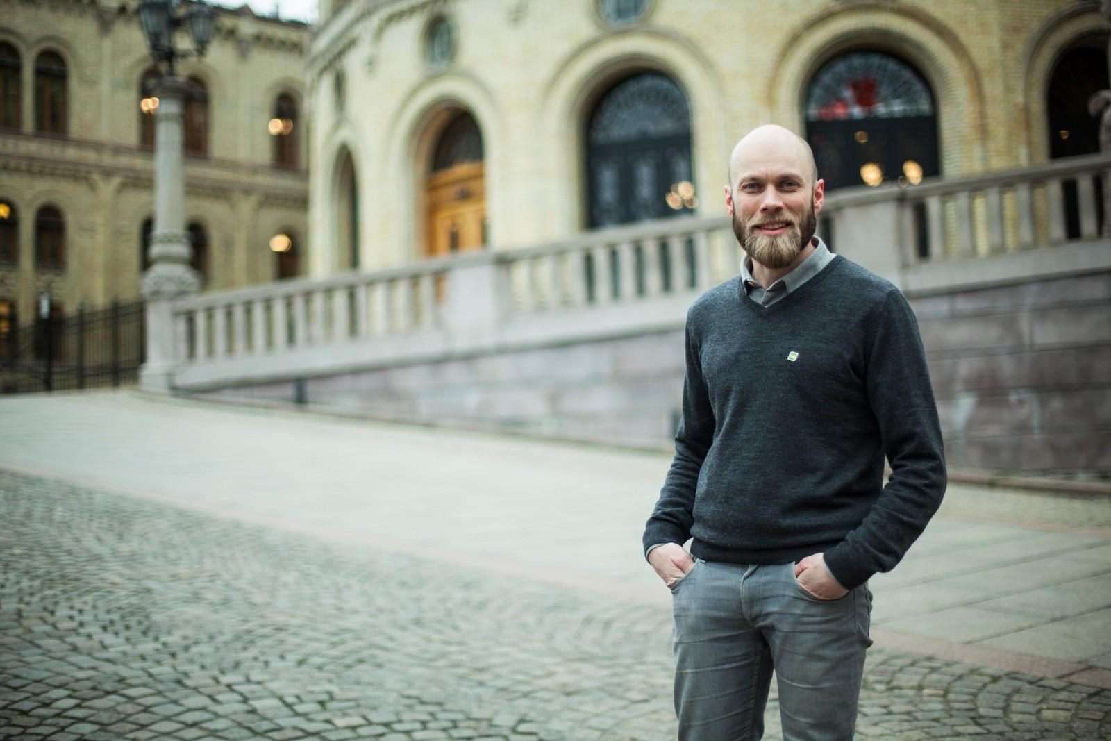 Mikal Nerberg måtte ta noen runder med seg selv før han bestemte seg for å jobbe mot Stortinget, men nå er han klar for å være stemmen fra Nord-Troms.