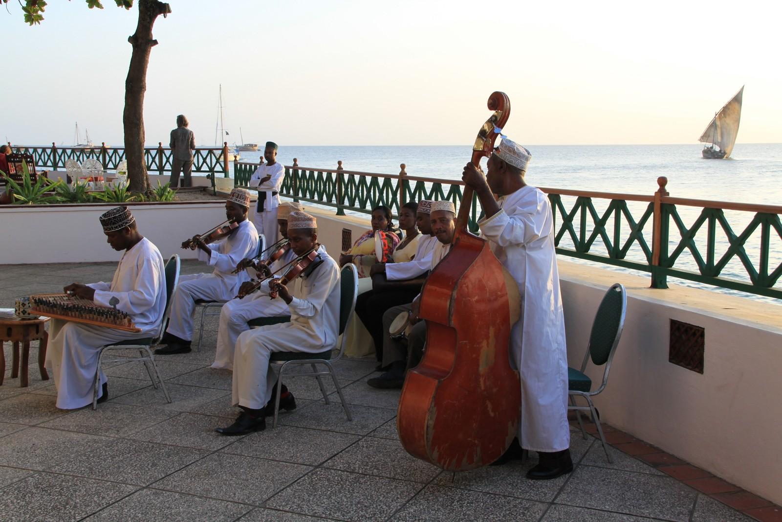 Ettermiddagskonsert på Serena Inn på Zanzibar.