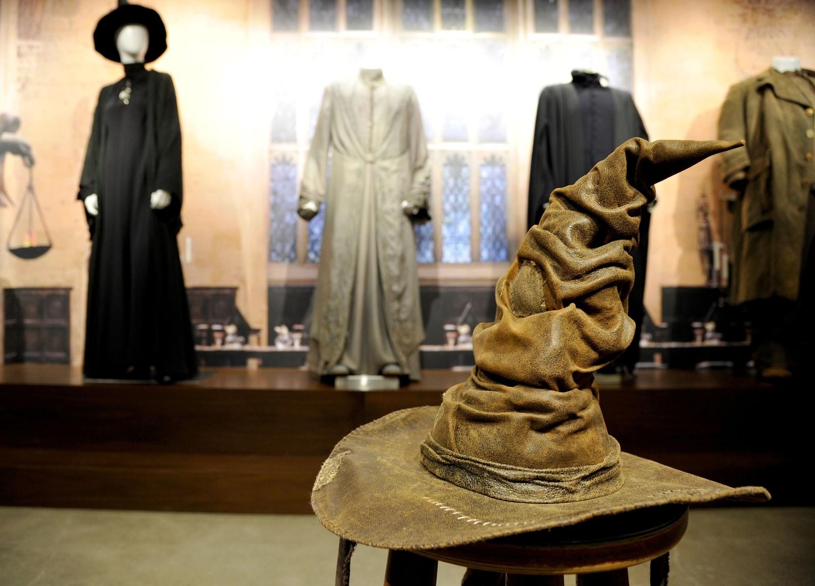Valghatten, kjent fra Harry Potter-filmene, står for tida utstilt hos Warner Bros. i Hollywood.