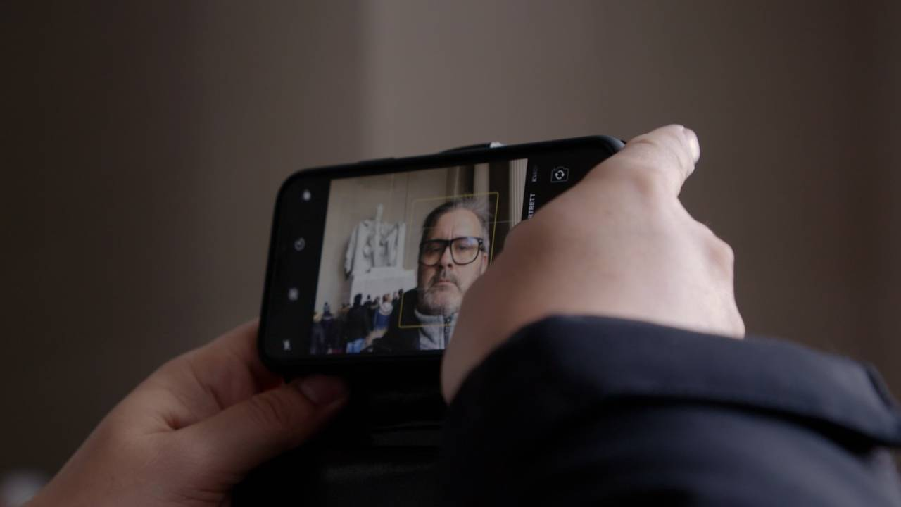 Thomas Seltzer med selfie foran Lincoln-statuen