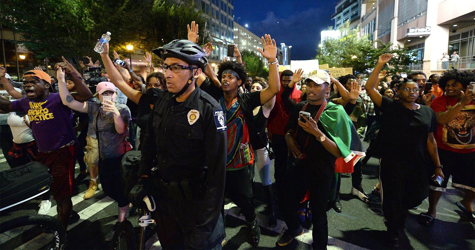 Fra den fredelige delen av demonstrasjonene i Charlotte.