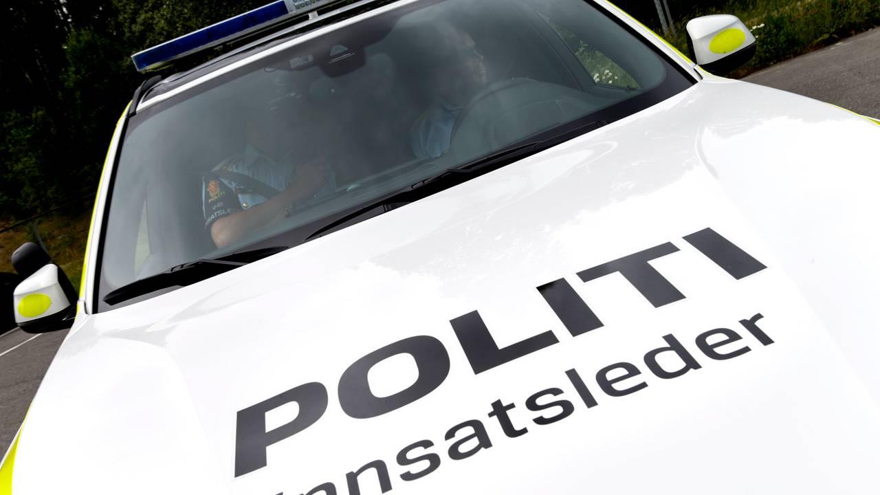 Illustrasjonsbilde Politi og innsatsleder politibil.
