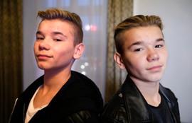 Bilde av Marcus og Martinus. De forteller i saken at de synes det er teit at noen later som de er noen andre på sosiale medier.