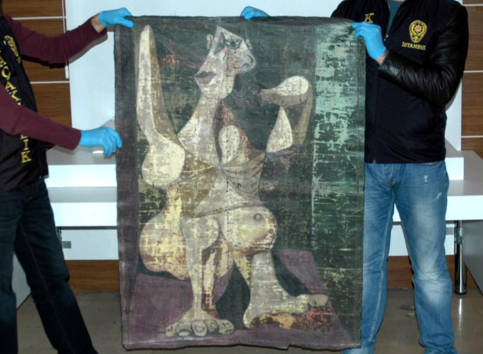 Tyrkisk politi viste denne uka fram Picasso-maleriet «Kvinne steller håret». Kunsttyver skal ha forsøkt å selge verket på det svarte markedet. Nå blir det i stedet trolig returnert til eieren, en samler i New York.