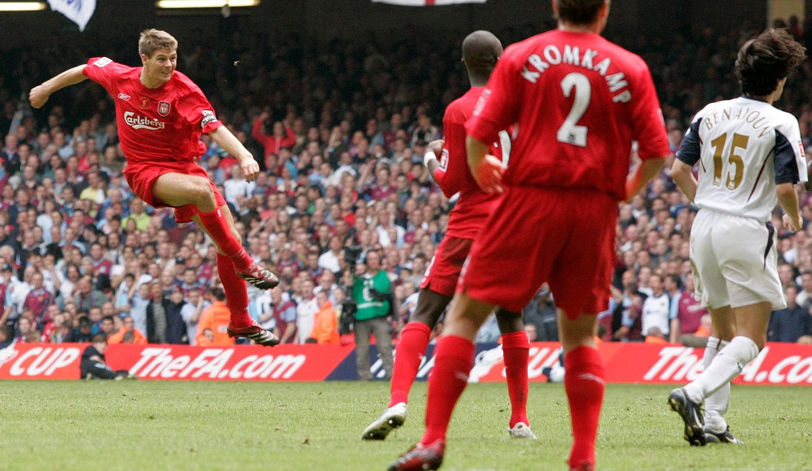 Gerrard scorer mot West Ham i FA-cupfinalen 2006.
