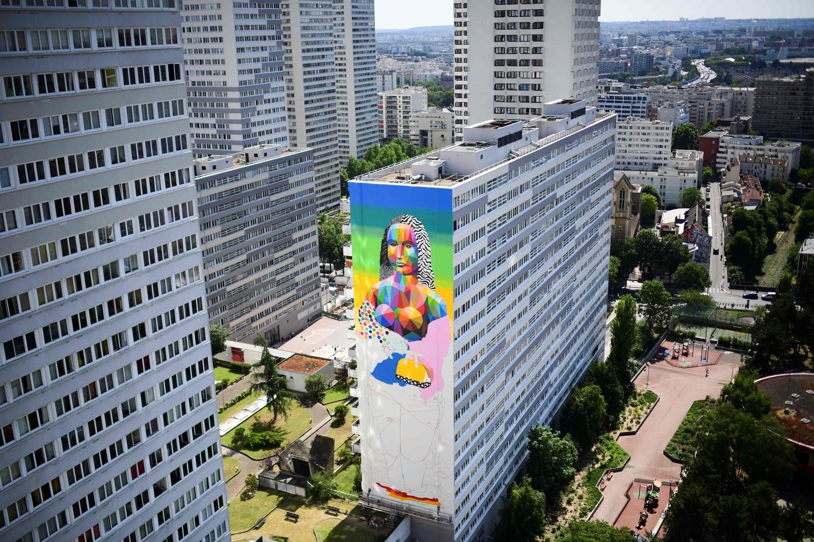 Den spanske streetart-kunstneren Oscar Okuda står bak denne freskoen av Mona Lisa, som du kan se på en bygning i Paris' 13. distrikt.