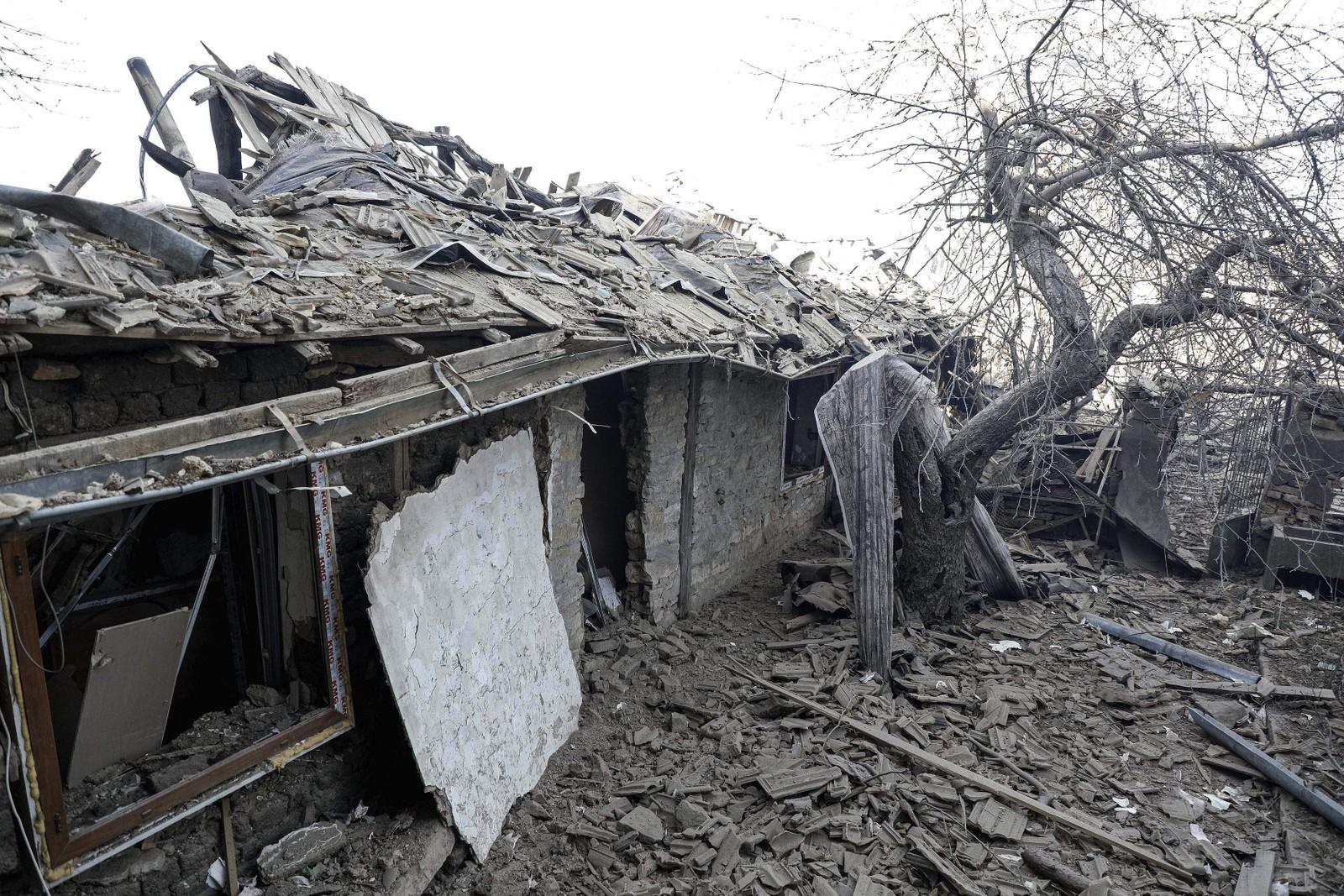 Rundt 20 hjem ble knust av toget da det eksploderte.
