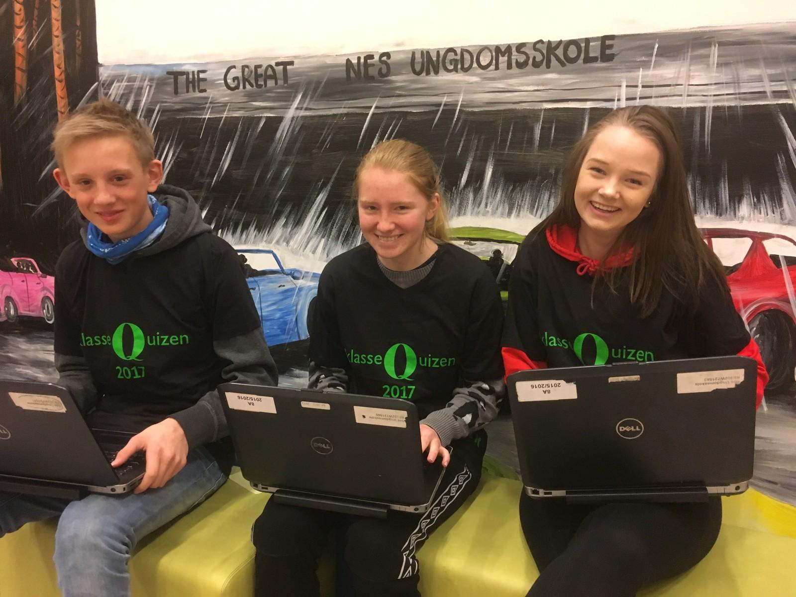 Baard Hagelund, Johanne Tørud og Hanna Bogsti fra Nes ungdomsskole fikk 11 poeng.