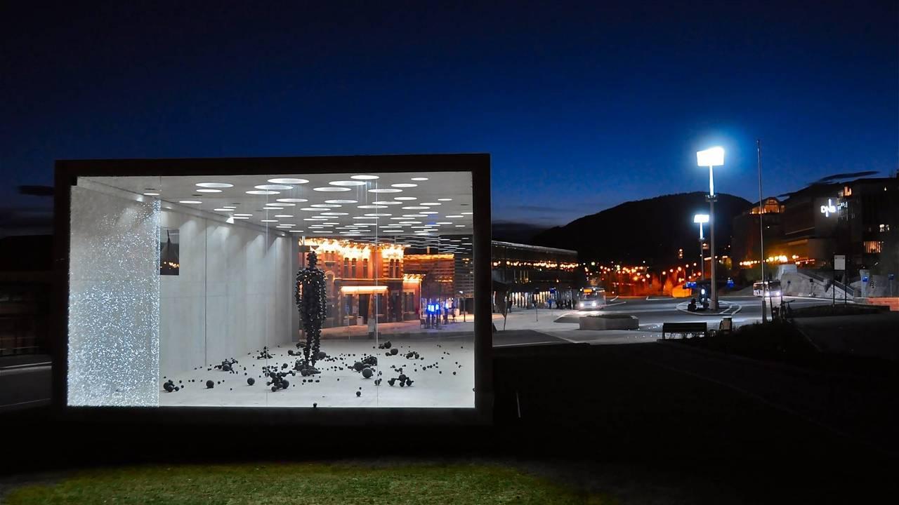 «Menneske i Moderskipet», kunstverk av Antony Gormley og Snøhetta