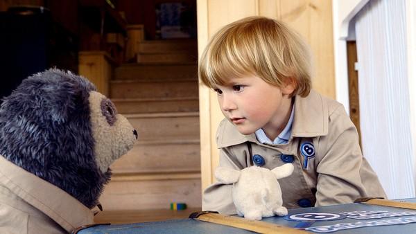 Hvordan kan en liten tøykanin flytte på seg når den ikke kan gå selv? Johan og Brillebjørn må løse mysteriet. Norsk dramaserie. (5:10)