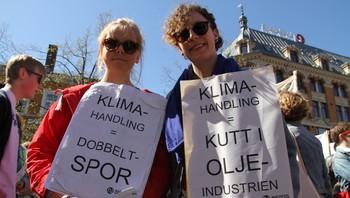 Representanter fra Natur og Ungdom på Youngstorget 1. mai