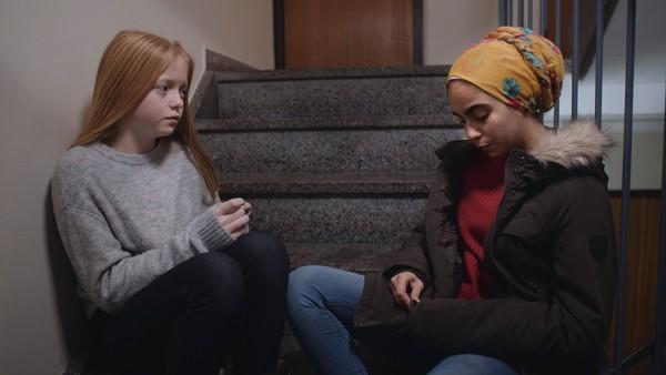 Oda og Arin finner sakte med sikkert tilbake til hverandre. Men er vennskapet sterkt nok?