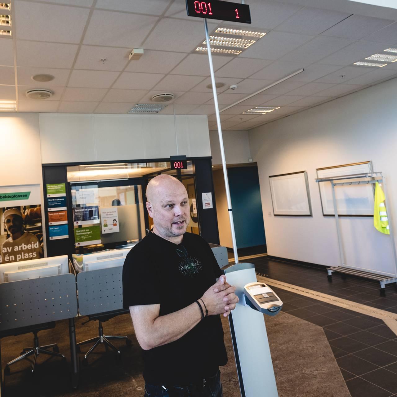 EN TRAVEL MANN: Beredskapssjef Morten Andreassen sjonglerer beredskapsjobbingen i 10 prosent stilling med E-16 utbygging og rollen som rådgiver i utviklingsenheten.