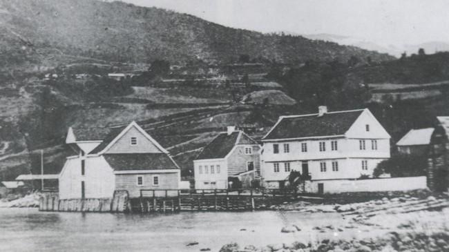 Husa til Brun før brannen i 1876.