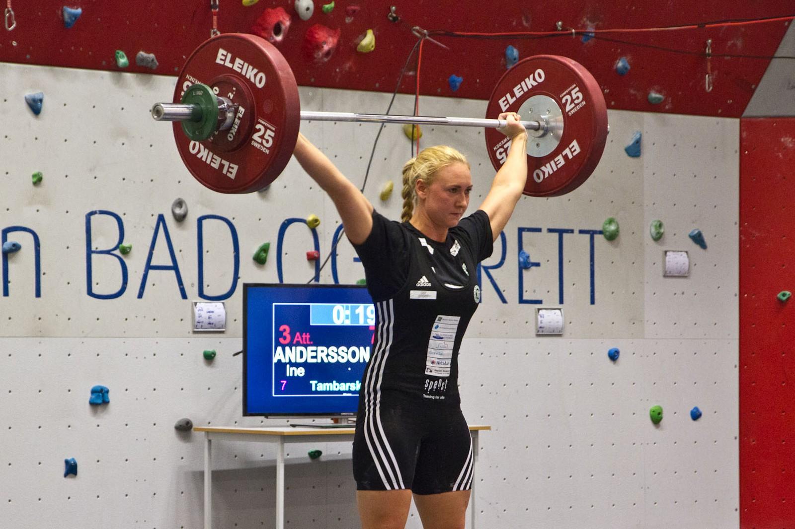 Det vart for tøft å hamle opp med Sarah Hovden Øvsthus, men Ine Andersson tok andreplassen i Norgescupen for seniorar etter 77 kg i rykk og 93 kilo i støt.