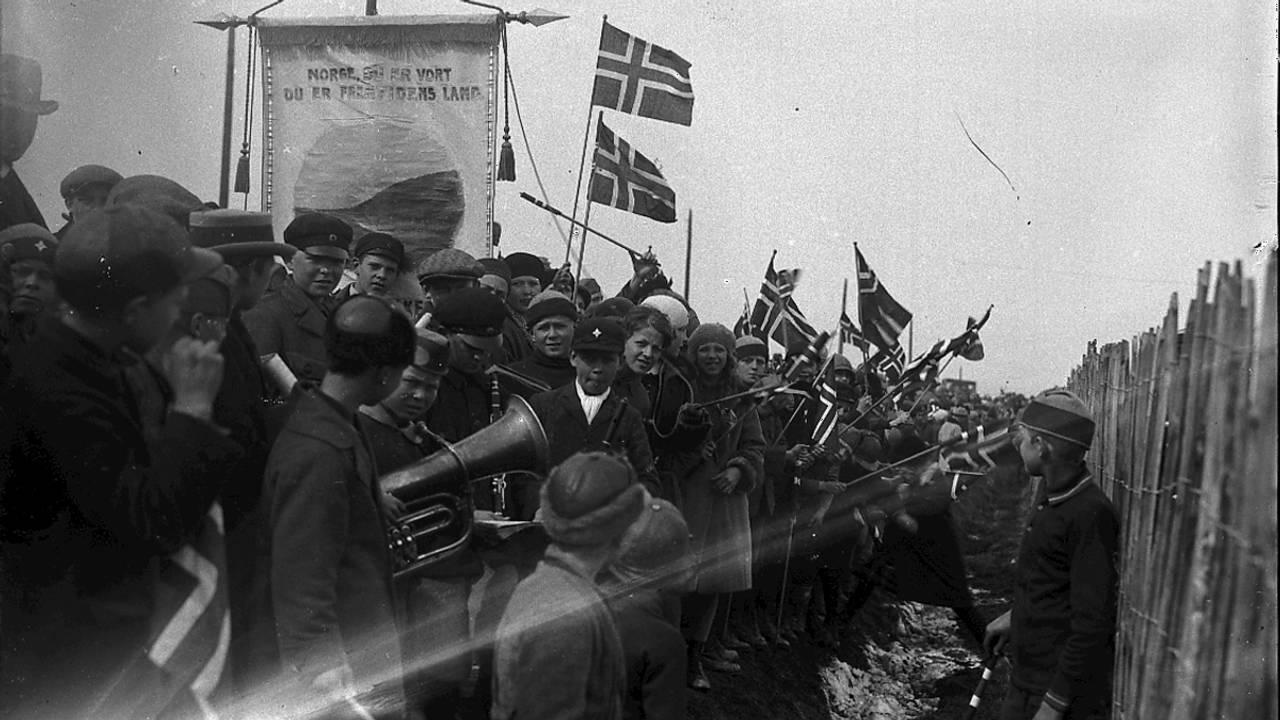Rikard Nordraaks kiste kjem til Noreg i 1925