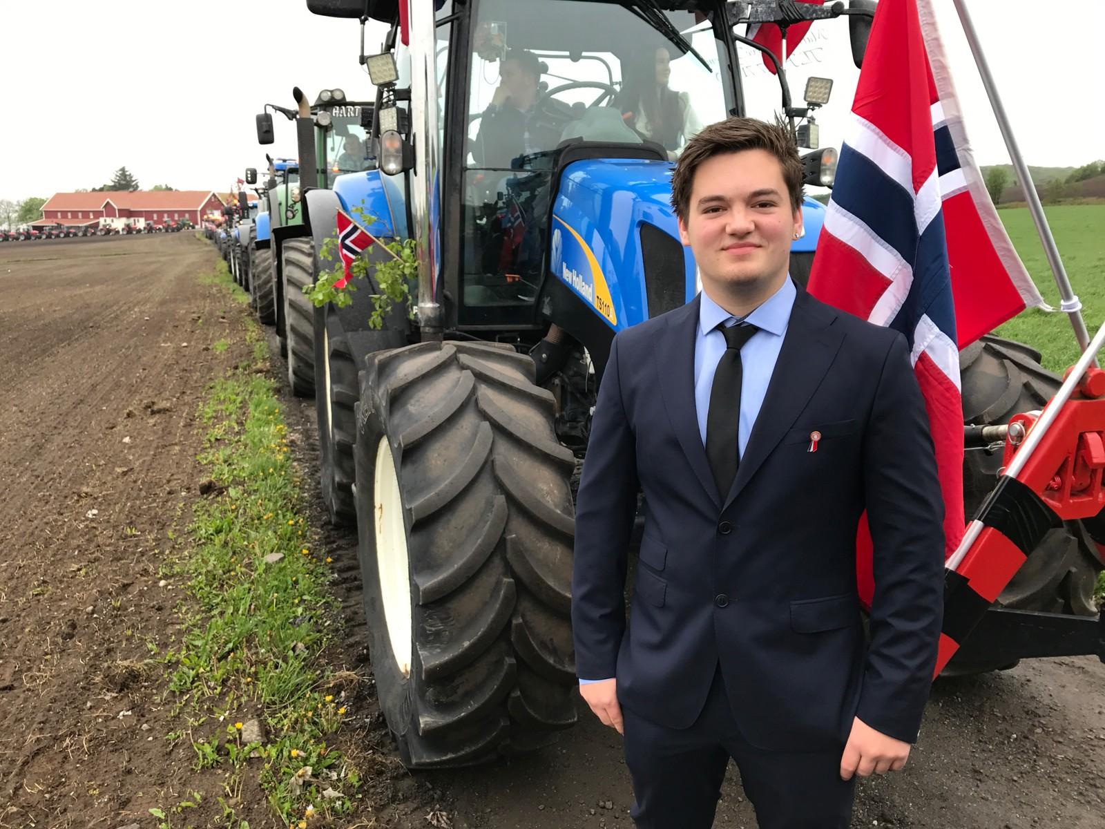 Traktortog på Tjelta i Sola. Sem Sikveland.