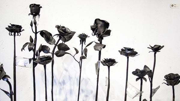 900 roser ble sendt inn fra hele verden