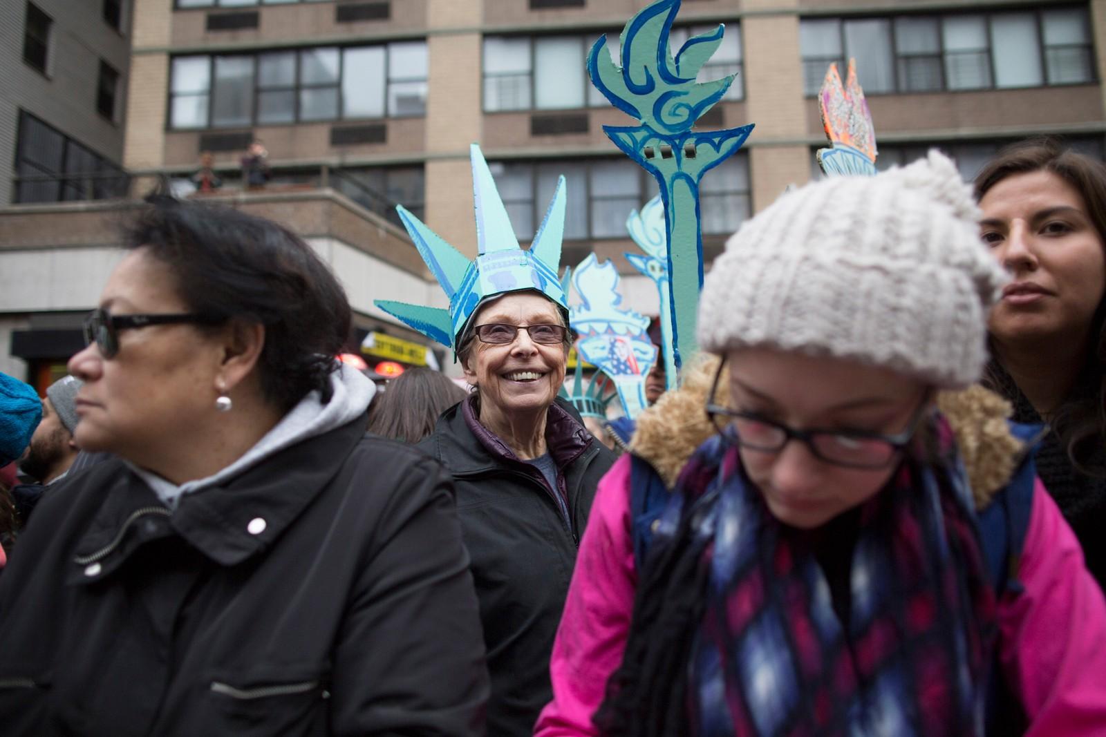 I New York samlet det seg også store folkemengder i forbindelse med kvinnemarsjen.