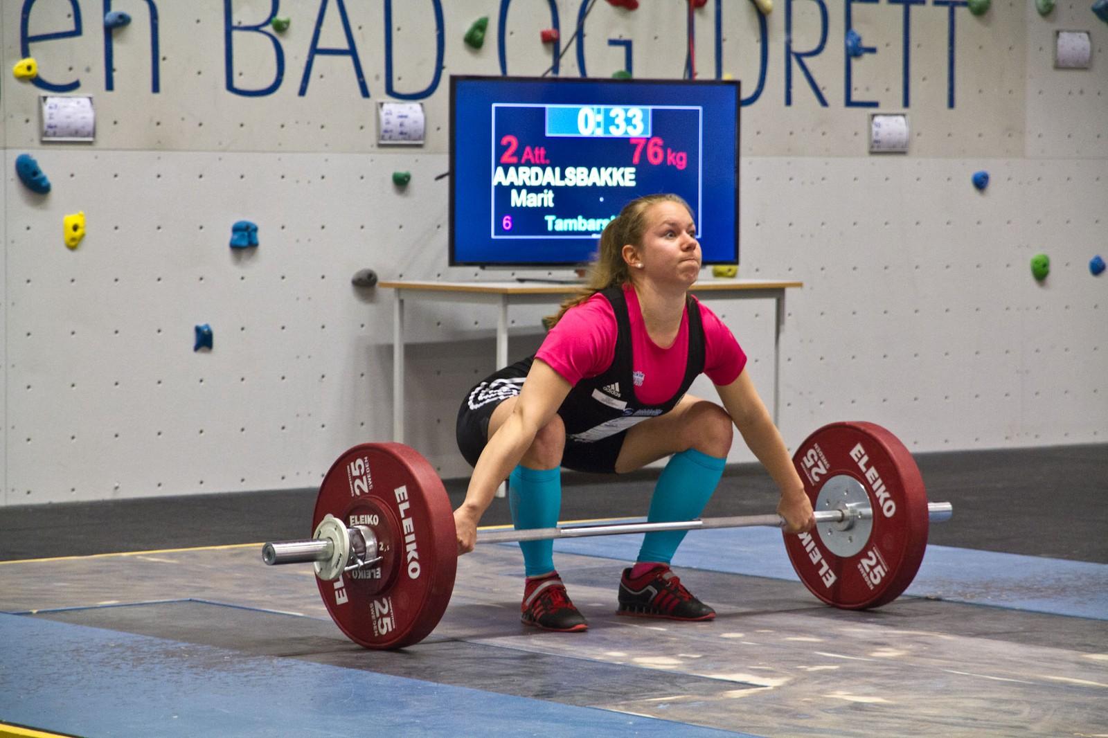 Marit Årdalsbakke kneip tredjeplassen med minst mogleg margin framfor lagveninna Sandra Trædal.